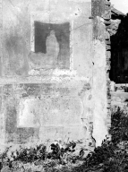230940 Bestand-D-DAI-ROM-W.1163.jpg VI.7.23 Pompeii. W.1163. Looking east to remains of wall decoration on north pilaster of triclinium. Photo by Tatiana Warscher. Photo © Deutsches Archäologisches Institut, Abteilung Rom, Arkiv. See http://arachne.uni-koeln.de/item/marbilderbestand/230940