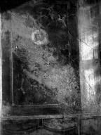 231363 Bestand-D-DAI-ROM-W.1165.jpg VI.7.23 Pompeii. W.1165. Remains of panel with medallion, from east end of south wall of tablinum. Photo by Tatiana Warscher. Photo © Deutsches Archäologisches Institut, Abteilung Rom, Arkiv.  See http://arachne.uni-koeln.de/item/marbilderbestand/231363