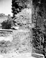 231111 Bestand-D-DAI-ROM-W.1177.jpg VI.7.23 Pompeii. W.1177. North wall with window, and east side of window with marble sill, overlooking garden. Photo by Tatiana Warscher.Photo © Deutsches Archäologisches Institut, Abteilung Rom, Arkiv. See http://arachne.uni-koeln.de/item/marbilderbestand/231111