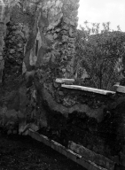 231112 Bestand-D-DAI-ROM-W.1178.jpg VI.7.23 Pompeii. W.1178. North wall with window and west side of window with marble sill, overlooking garden. Photo by Tatiana Warscher. Photo © Deutsches Archäologisches Institut, Abteilung Rom, Arkiv. See http://arachne.uni-koeln.de/item/marbilderbestand/231112