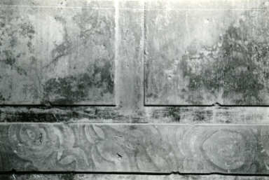 I.10.4 Pompeii. 1972. House of Menander, room under triclinium, detail of alabaster string course. Photo courtesy of Anne Laidlaw. American Academy in Rome, Photographic Archive. Laidlaw collection _P_72_8_4.