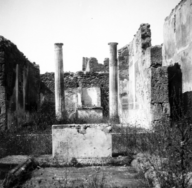 VI.7.20 Pompeii. W.1232.  Looking west across impluvium in atrium, tablinum and pseudo-peristyle. Photo by Tatiana Warscher. Photo © Deutsches Archäologisches Institut, Abteilung Rom, Arkiv.