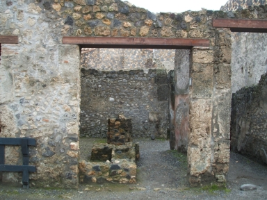 I.10.2 Pompeii, on left. December 2006. Entrance with 1.10.3, on right.