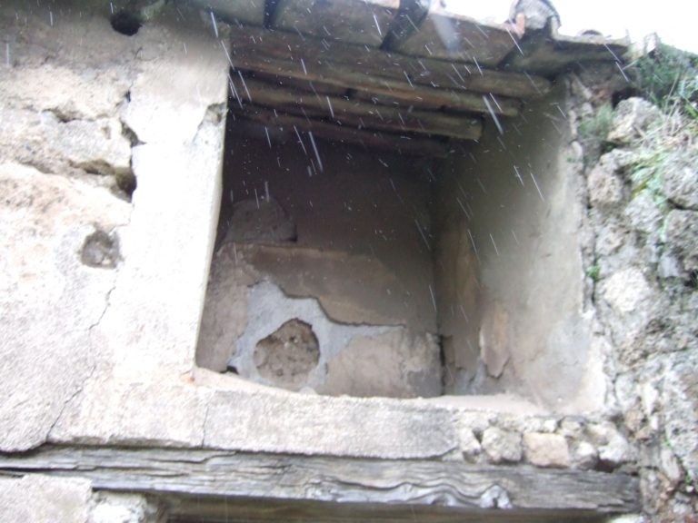 VII.3.13 Pompeii. December 2005. Double Lararium, upper lararium.