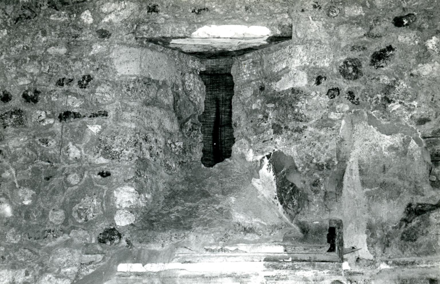 I.8.17 Pompeii. 1972. Room 9. Casa dei Quattro Stili, pillared oecus,S wall, window.  Photo courtesy of Anne Laidlaw. American Academy in Rome, Photographic Archive. Laidlaw collection _P_72_15_2.